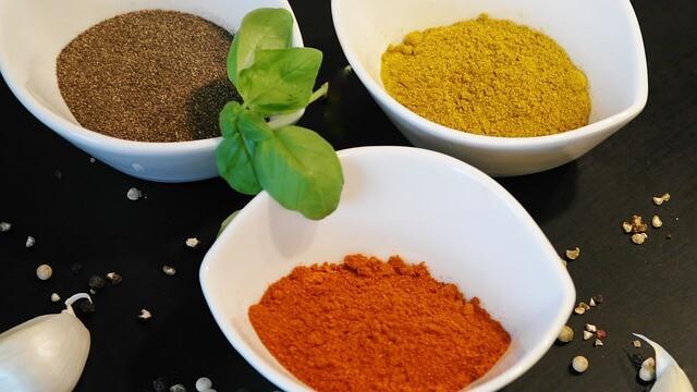 Cayenne powder can help burn fat.
