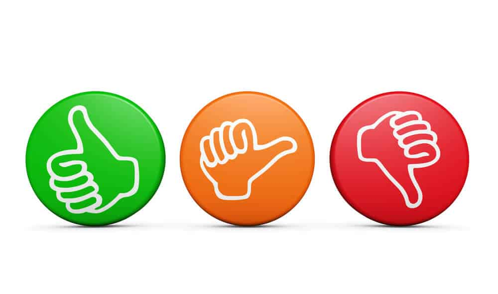 Green button showing thumbs up, orange button showing neutral thumbs, red button showing thumbs down